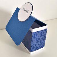 goodie in designerpapier pfauenpracht in blaubeere