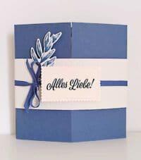 card in a box umschlag mit farbkarton abendblau