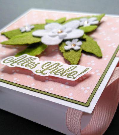 schokoladenverpackung jogurette mit filzblumen basteln